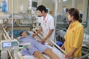 Truyền 12 đơn vị máu cứu người đàn ông nguy kịch sau tai nạn ở Quảng Ninh