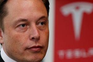 Elon Musk từ bỏ tất cả chức vụ tại Tesla?