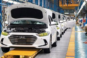 Thuế nhập khẩu ôtô về 0% nhưng giá ôtô lại không hề giảm?