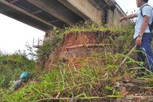 Quảng Trị: Cầu Đại Lộc gần 60 tỷ đồng bị uy hiếp vì sạt lở