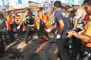 Máy bay Indonesia chở 189 người lao xuống biển