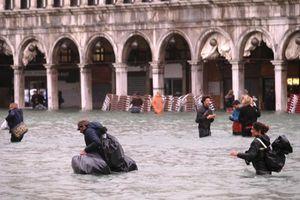 Cảnh ngập lụt kinh hoàng ở thành phố nổi Venice