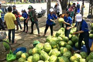 Vẫn lo 'giải cứu' hàng Việt