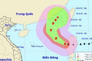 Bão số 7 giật cấp 14 tiến vào Biển Đông, biển động dữ dội