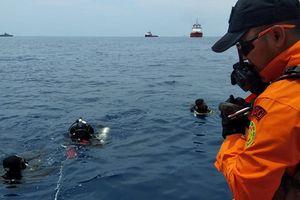 Rơi máy bay ở Indonesia: Đã xác định được vị trí 2 hộp đen máy bay rơi