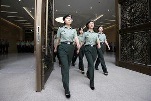 Phương Tây 'tá hỏa' vì nhiều quân nhân Trung Quốc du học chui