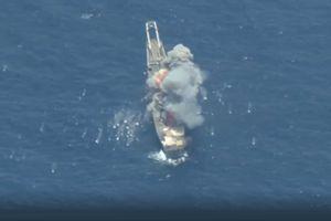 Cận cảnh tên lửa và ngư lôi đánh chìm tàu Mỹ trong diễn tập RIMPAC - 2018