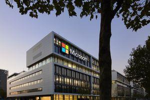 Microsoft vượt qua Amazon và sớm trở thành công ty trị giá 1.000 tỷ USD