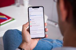 iOS 12.1 hỗ trợ eSIM và nhiều tính năng mới