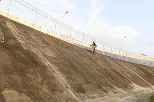 Huế: Khôi phục đua xe đạp lòng chảo trên sân Tự Do