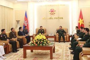 Đại tướng Ngô Xuân Lịch tiếp Tổng Tư lệnh Hoàng gia Campuchia