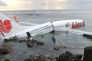 Một máy bay khác của Lion Air từng gãy đôi khi lao xuống biển