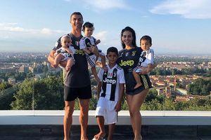 Gia đình Ronaldo tổn thương nặng nề vì tin đồn hiếp dâm