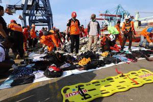Thảm họa hàng không Indonesia: Phát hiện mảnh vỡ máy bay và nhiều phần thi thể