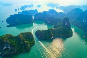 Bộ trưởng Văn hóa: Đầu tư 50 tỷ, lãi hơn 1.000 tỷ ở vịnh Hạ Long