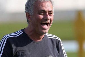 Mourinho được M.U cấp 100 triệu bảng 'đi chợ' trong tháng Giêng