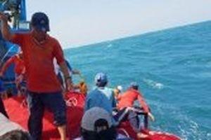 Cứu 24 ngư dân bị nạn trên vùng biển phía nam