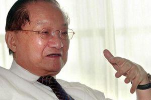 Người cảm tạ, kẻ xuất khẩu thành thơ thương tiếc Kim Dung