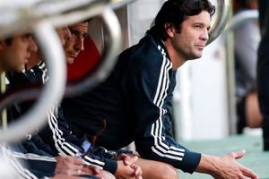 Santiago Solari tiếp quản Real Madrid
