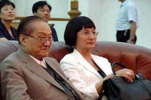 Cuộc đời trắc trở của nhà văn Kim Dung với 3 lần đò