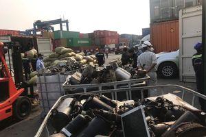 25 container rác phế liệu 'ngang nhiên' cập cảng Cát Lái
