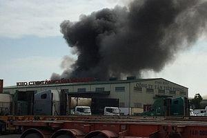 Hải Phòng: Cháy lớn tại nhà kho chứa lốp ô tô tại KCN Đình Vũ