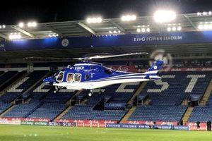 Clip: Cận cảnh vụ rơi máy bay khiến chủ tịch Leicester tử nạn