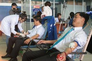 Lâm Đồng: Hơn 30 tài xế taxi tham gia hiến máu cứu người
