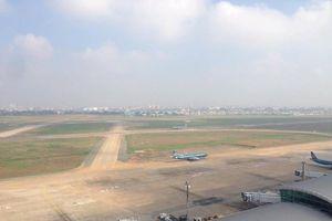 Máy bay Vietnam Airlines bị xịt lốp khi hạ cánh tại sân bay Nội Bài