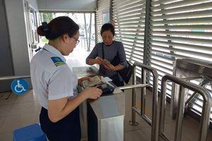 Khách đi buýt nhanh BRT chưa mặn mà vé điện tử