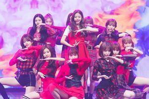 IZ*ONE hát nhép toàn bộ trên sân khấu debut, netizen phẫn nộ: 'Đây là nhóm nhảy à?'