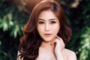 Bệnh gì khiến ca sĩ Hương Tràm tự bóc da tay đến rỉ máu?