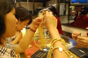 Vàng trong nước vẫn khá ảm đạm bất chấp giá vàng thế giới biến động mạnh