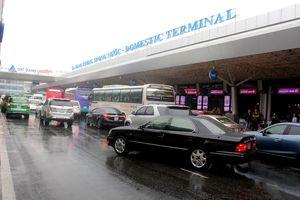 Xử phạt hơn 300 triệu đồng các xe vi phạm tại sân bay Tân Sơn Nhất