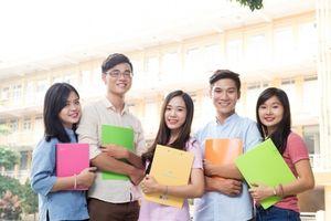 Trường đại học quy định trang phục đến trường khiến sinh viên phản ứng