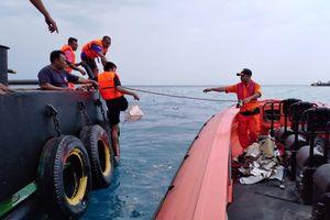 Vì sao chưa tìm thấy xác máy bay Indonesia JT610 rơi xuống biển dù đã thấy mảnh vỡ?