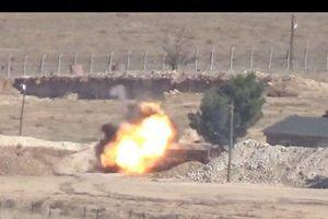 Xe quân sự Thổ Nhĩ Kỳ nổ tung trong cuộc tấn công đáp trả của SDF