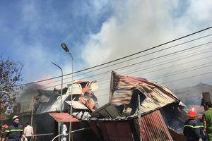 Xưởng gỗ rộng 500 m2 đổ sập hoàn toàn sau cháy