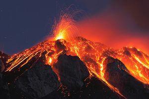 Quốc gia sở hữu hơn 100 ngọn núi lửa có gì đặc biệt?