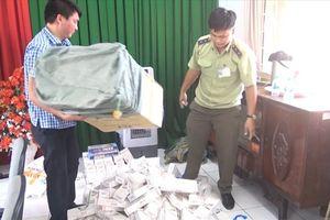 Bắt giữ hàng ngàn gói thuốc lá ngoại nhập lậu, đối tượng bỏ trốn