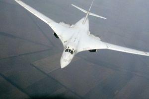 Hai máy bay ném bom Nga khiến NATO 'thót tim' khi tập trận
