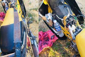 2 trộm chó mang dao kiếm, dùi cui điện bị người dân vây đánh