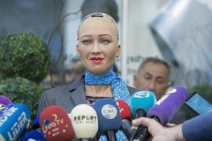 Công dân robot đầu tiên trên thế giới được cấp thẻ visa điện tử