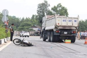 Bình Dương: Thêm một vụ tai nạn giao thông thương tâm do xe ben gây ra