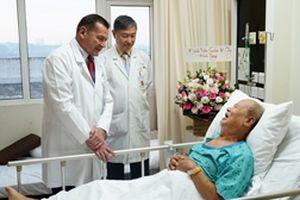 Phẫu thuật thành công cho luật sư nổi tiếng 72 tuổi bị nhồi máu cơ tim