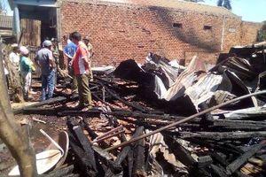 3 căn nhà bị bốc cháy, thiệt hại hàng trăm triệu đồng
