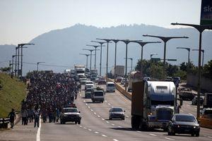 Trump tiếp tục tăng quân số đối phó với đoàn caravan người tị nạn