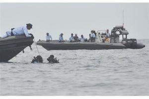 Vụ rơi máy bay tại Indonesia: Hộp đen vẫn nguyên vẹn