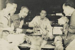 Người là Hồ Chí Minh