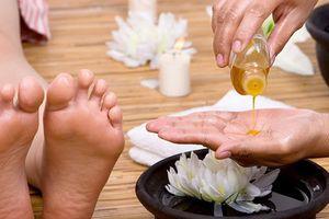 Dùng tinh dầu trị liệu để 'xinh đẹp từ bên trong': Không đơn giản như mọi người đang nghĩ!